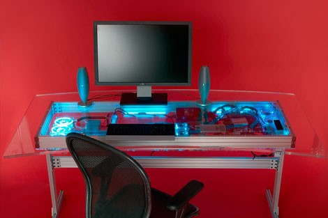 supercooler hightech tisch mit eingebautem rechner 11tech. Black Bedroom Furniture Sets. Home Design Ideas