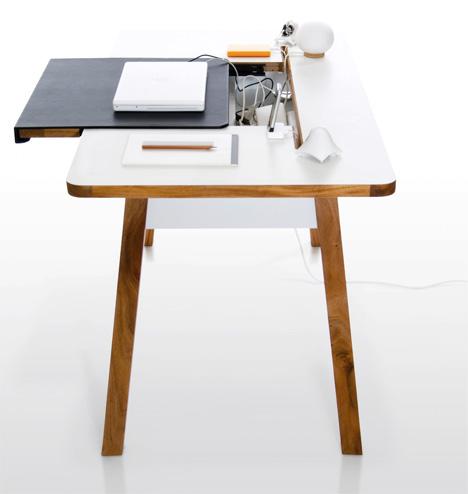 studio_desk2