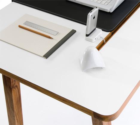 studio_desk4