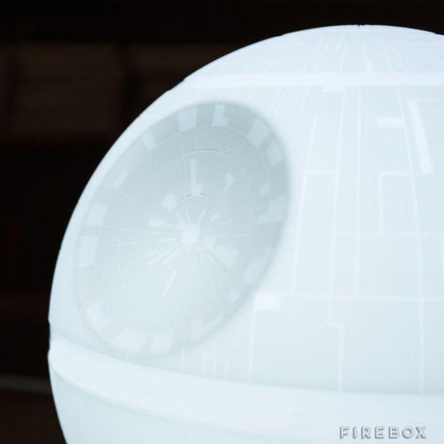 Death-Star-Mood-Light-2