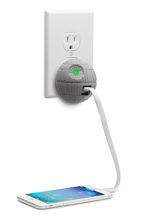 Star-Wars-Death-Star-USB-Wall-Charger