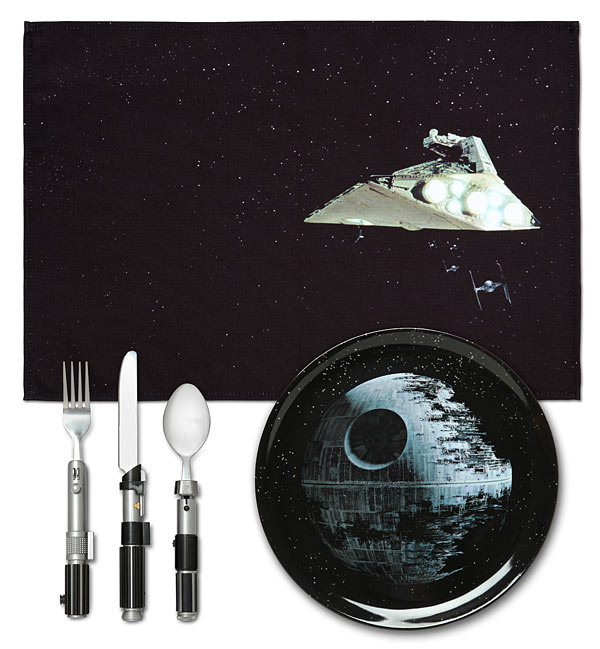 Star-Wars-Death-Star-Dinner-Set