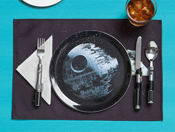 Star-Wars-Death-Star-Dinner-Set1